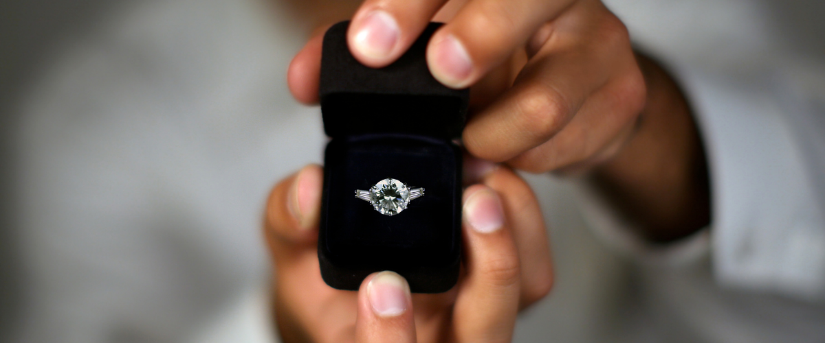 how to buy engagement rings online
